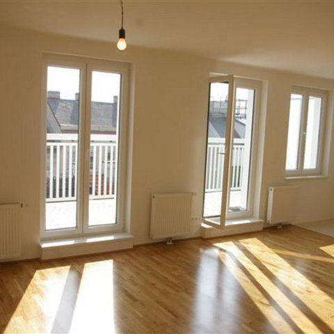 Sanierte-DG-Wohnung-Wohnraum_986.jpg